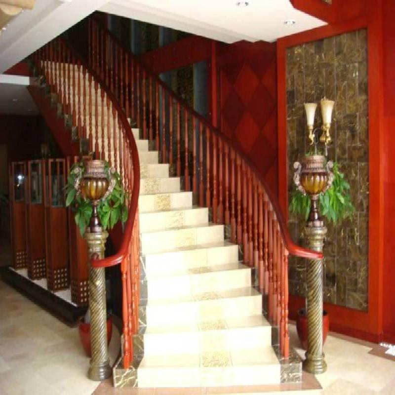 金天鹅GLS-115原木楼梯扶手
